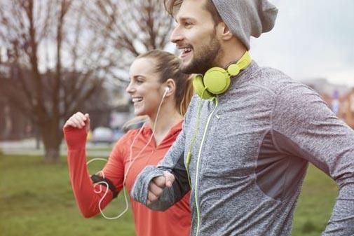 running fitness y ciclismo deportes más felicidad producen